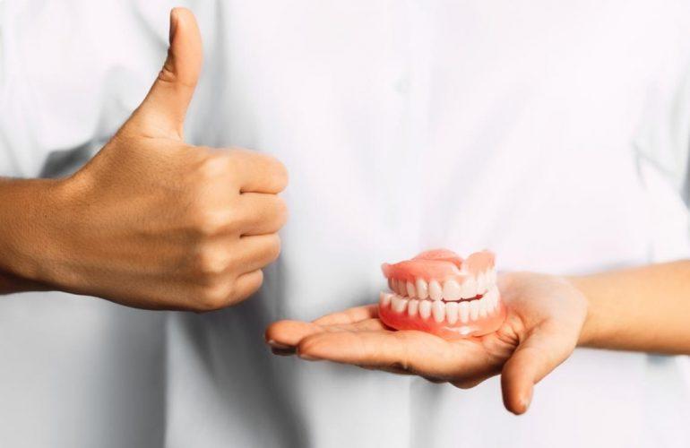 假牙 固定假牙 活动假牙 全口假牙 牙桥 牙冠